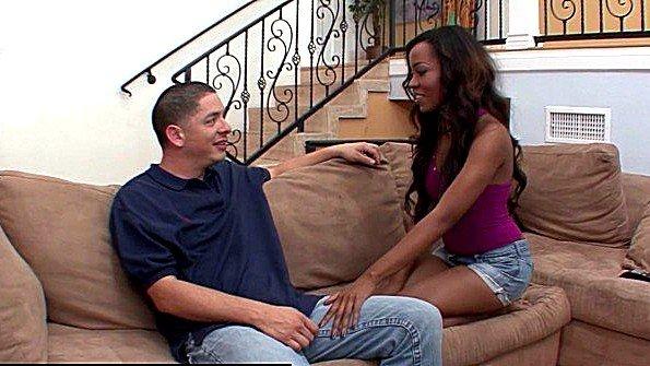 Огромным членом худенькая помладше африканка (Karmin Renee)