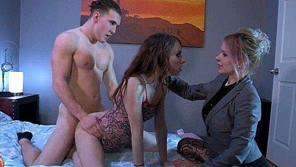 Баба жесткая ебля инцест сперма вытекает с маленькими титьками (Anya Olsen, Ashley Fires)