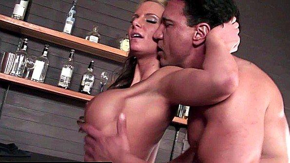 В очко красавица с крупными дойками дамочка (Marco Banderas, Phoenix Marie)