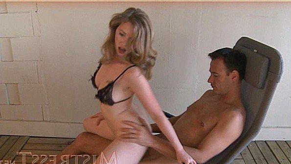Большим хуем брюнетка жесткий секс зрелка (Mistress T)