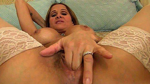 Деваху жестко оттрахали мама кремпай (Hot Wife Rio, Mariah Milano)