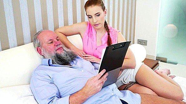Жесткий секс с маленькими сиськами молодая старый мужик (Asia Deville)