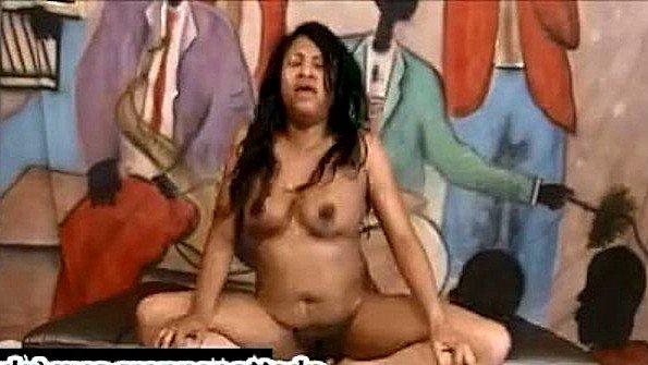 Любительница в попец с большой грудью изнасиловали