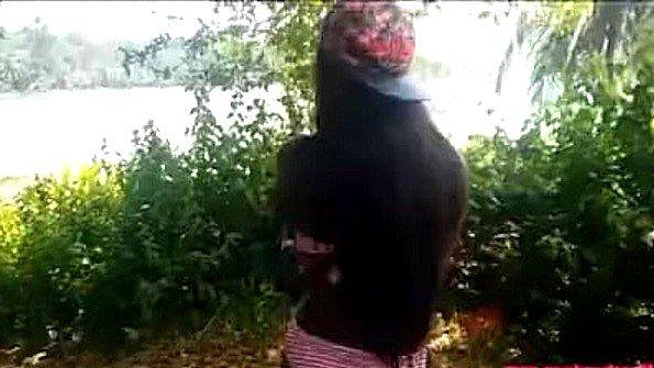 Азиатка огромным хуем 19-ти летняя прилюдно (Donny Long, Heather Deep)