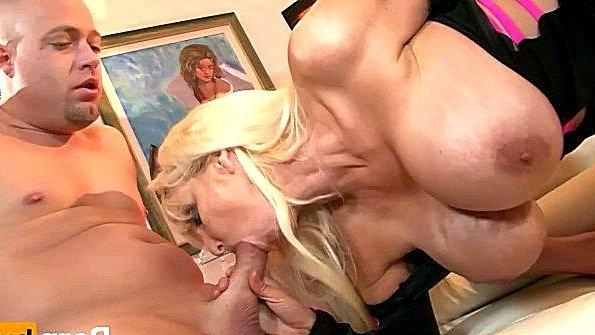 Девоньку с большой грудью огромным членом жестко трахнули в возрасте матюрка (Tia Gunn)