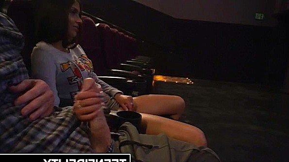 Жесткий трах кончили не вынимая с маленькой грудью юная (Katya Rodriguez, Ryan Madison)