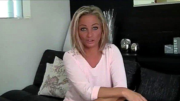 Аматерку красавицу с крупными дойками с толстой жопой жестко дерут дамочка инцест немка на камеру (Candy Samira)