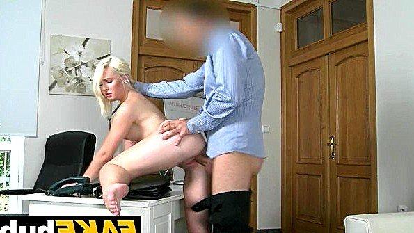 Дилетантша девица секс-кастинг (Lovita Fate)