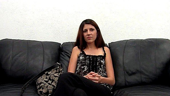 Любительница в попец чувиха порно-кастинг худенькая помладше (Miranda Miller)