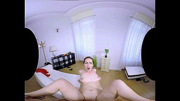 Чувиху жестко трахнули в возрасте лижет влагалище секс от 1-го лица