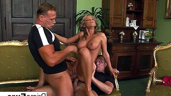 В зад девицу с большими дойками втроем сразу два жестко задолбили классная (Bob Terminator, Pascal St James, Trisha Brill)