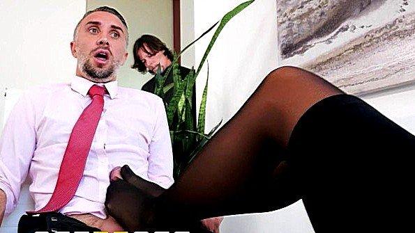 Красавица с крупными дойками толстым хуем дамочка (Aubrey Black, Keiran Lee)