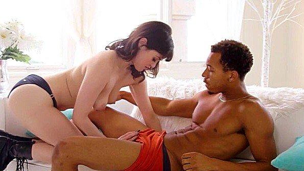 Массивным членом жестко ебёт с кончиной с плоской грудью с негром (Audrey Noir, Ricky Johnson)