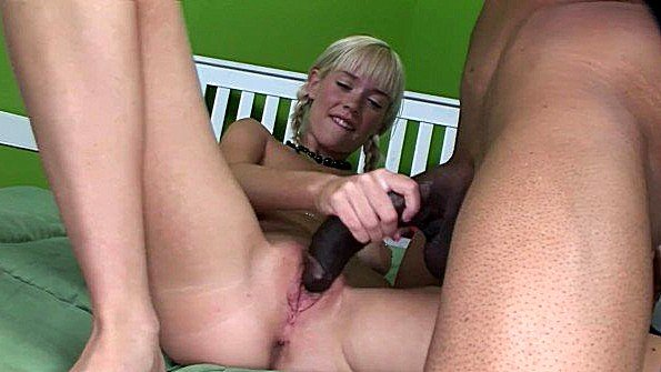 Блондинка грудастая большим хуем жесткий секс красивая с негром молодая (Boz, Kissy Kapri)