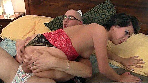 Баба жесткая ебля отсасывает пенис чешская