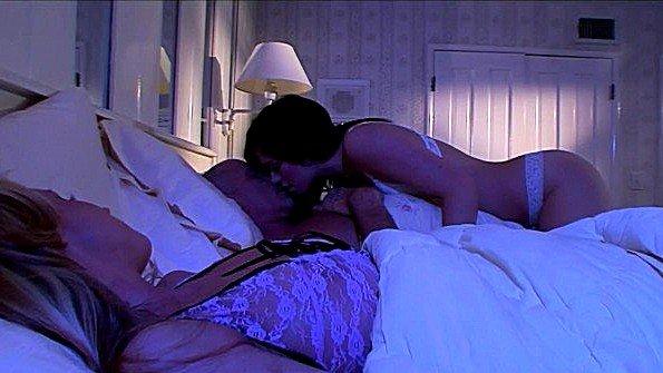 Сисястая секс втроем инцест со спермой симпатичная с маленькой грудью сосет хуй юная (Ashlyn Rae, Carolyn Reese, Mark Davis)