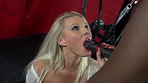 Красавицу с крупными дойками британка жестко дерут с кремпаем тискает клитор с негром пососала ствол (Michelle Thorne)