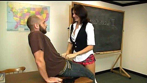 Соска дрочит пенис мама секс от первого лица в школе