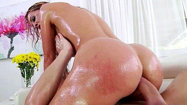 очень жесткий секс в ванной