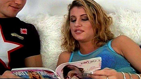 Блондинка жопастая жесткий секс зрелка делает минет член (Kristina Blond)