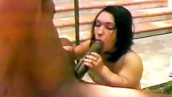 Массивным хуем бразильянка на глазах у всех (Bridget Powers)