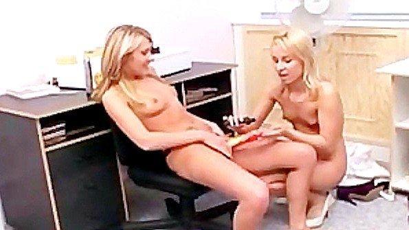 Лезби 18-ти летняя (Haley Paige, Sabrina Rose)