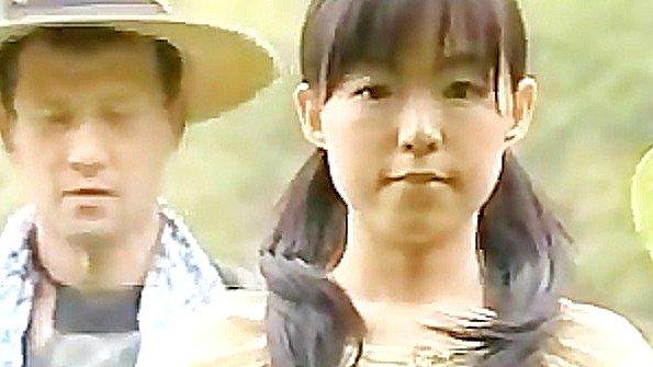 Худенькая помладше на виду у всех японка