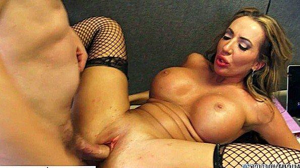 Грудастая жопастая жесткий секс зрелка (Elle Ryan, Richelle Ryan)