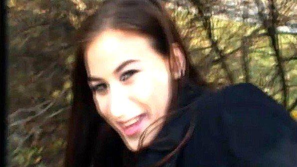Дилетантша насосалась елду 19-ти летняя прилюдно