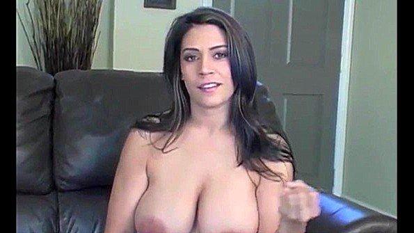 Аматерка с крупными дойками дамочка подборка