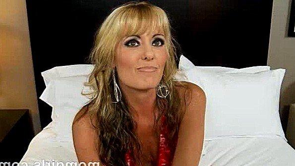 Любительница в анал блондинка жесткий секс зрелка от 1-го лица с вибратором
