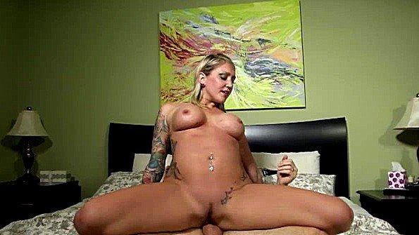 Блондиночка сиськастая толстозадая инцест с кончёй (Cory Chase, Taylor Raz)