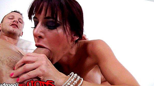 Сисястая зрелая со спермой рыжая (Gia Dimarco)