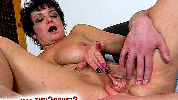 порно муж спит ее ебут