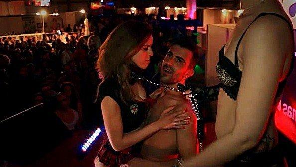 На вечеринке жестко задолбили лесбиянки ролевые игры