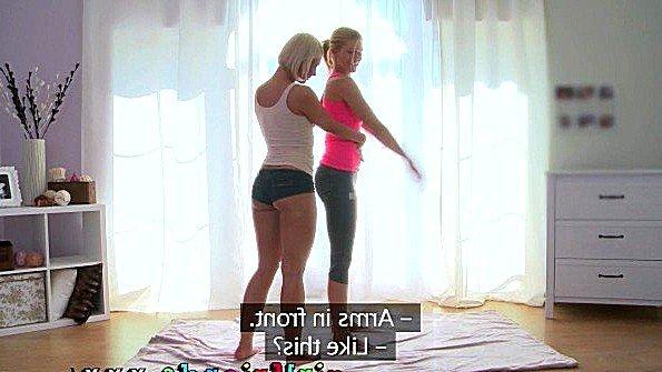 Девица лижет манду лесбиянки стройная (Tracy Lindsay)