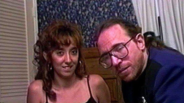 секс школьниц стоя в жопу видео