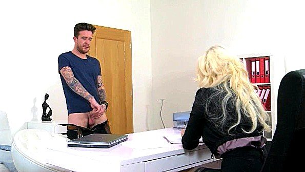 Девица с большими дойками секс-кастинг от первого лица (Luke Hotrod)