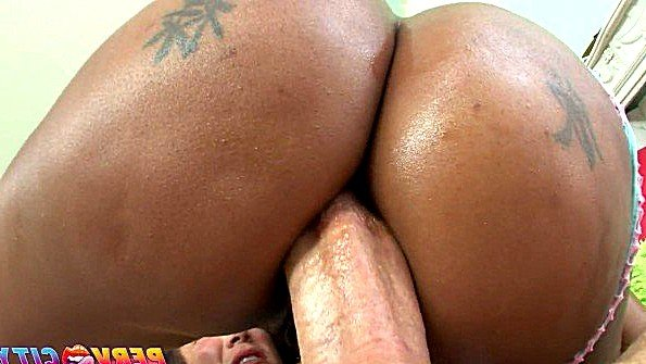 В очко с толстой жопой толстым хуем темнокожая (Kapri Styles, Mike Adriano)