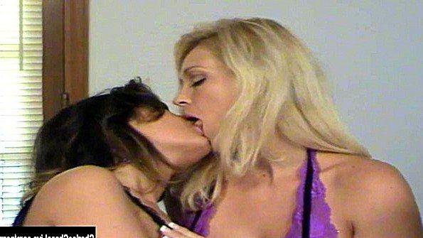 ебут жену сверху порно