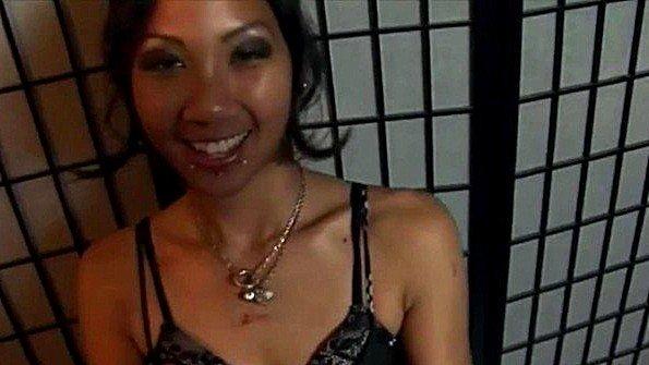 Азиаточка возбужденная секс от 1-го лица