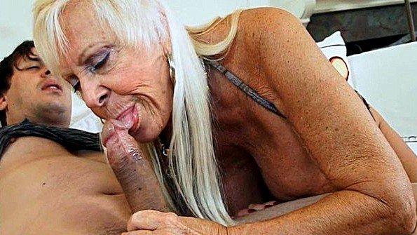 Массивным членом берет в рот болт секс-подборка за 50
