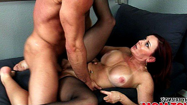 С большой грудью жестко трахнули в возрасте рыжая (Janet Mason, Johnny Castle)