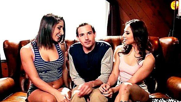 Баба порево втроем инцест отсасывает пенис (Abella Danger, Sara Luvv, Tyler Nixon)
