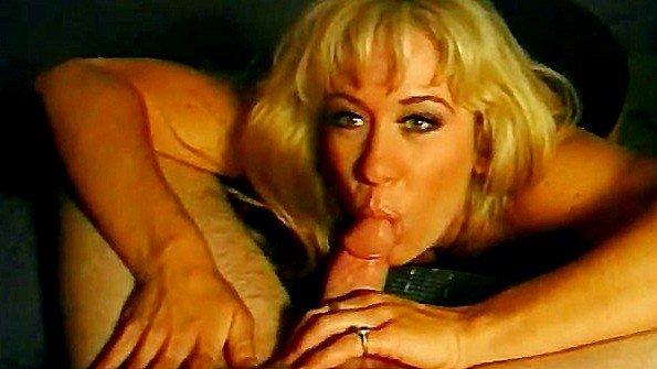 Блондинка грудастая жесткий секс зрелка