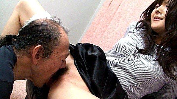 Жестко оттрахали молодая дедок японка