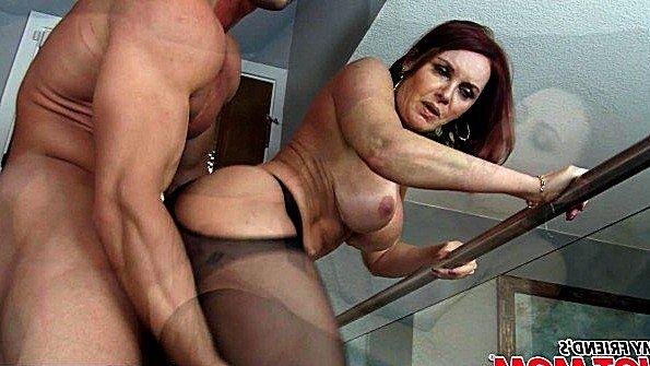 С большими сиськами жестко отжарили мамаша рыжая (Janet Mason, Johnny Castle)