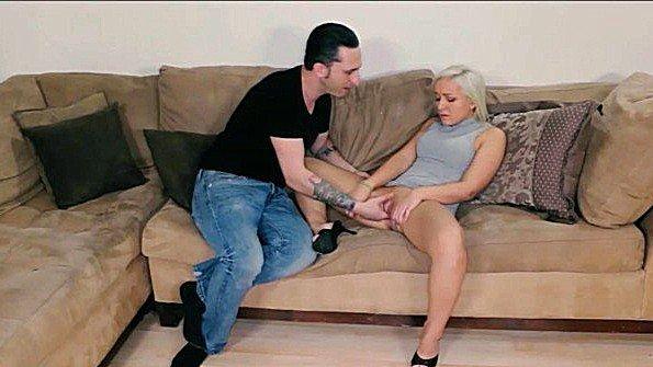 Инцест делает минет член молодая (Cleo Vixen)