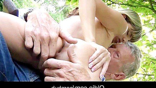 Инцест с маленькой грудью юная на публике мужик в годах (Gina Gerson)