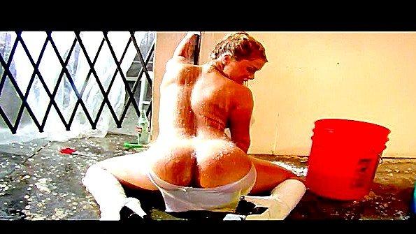 Телочка большегрудая треплет пилотку секс-игрушкой (Shyla Stylez)